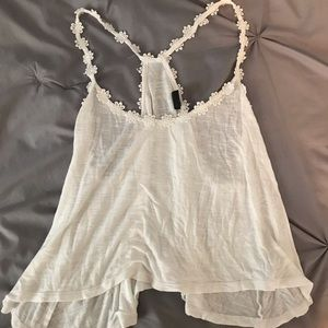 Tilly's Cropped White Daisy Tank Top